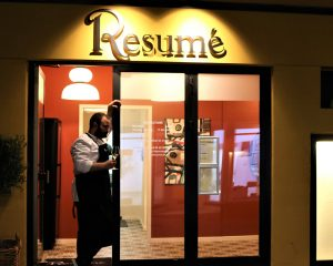 Entrance - Restaurant Resumé